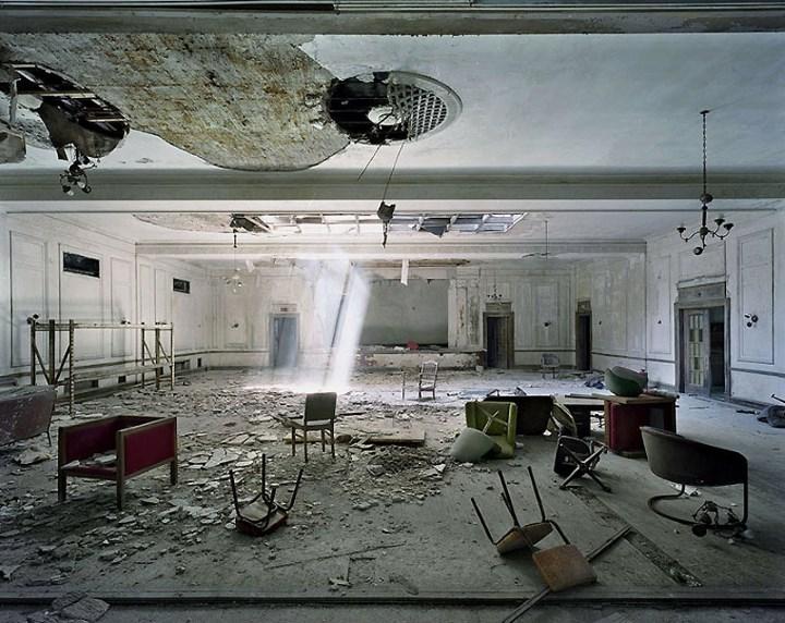 Заброшенное здание отеля