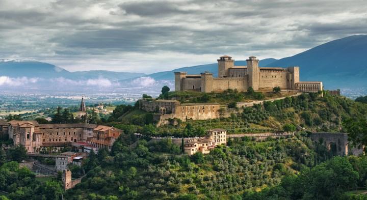 город Сполето в Италии