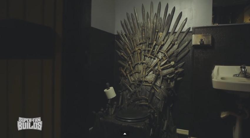 Туалет в виде железного трона