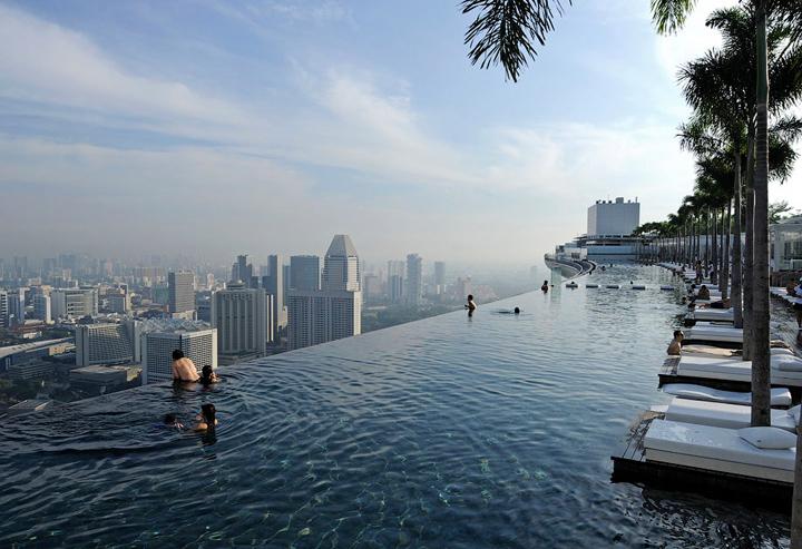 Отель с бассейном на крыше - Марина Бэй 2