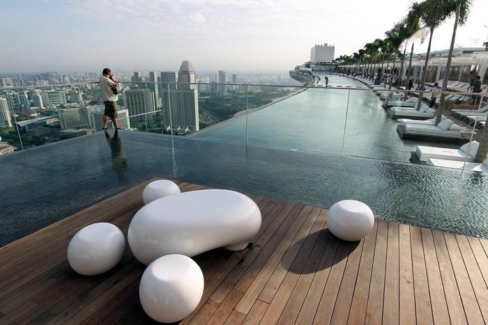Отель с бассейном на крыше - Марина Бэй 9