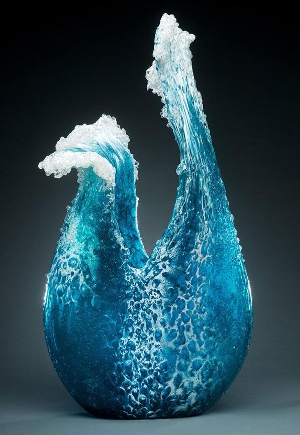 Скульптура волны из стекла 4