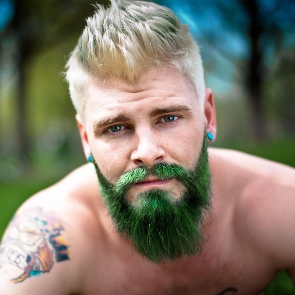Разноцветные волосы у мужчин фото 4