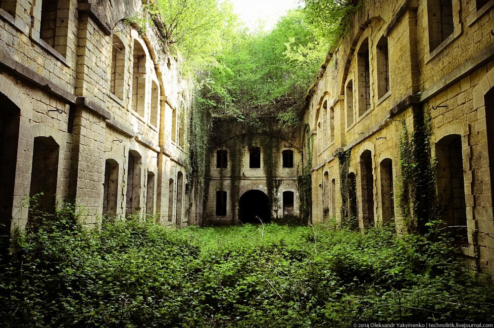 Покинутый форт Женикур