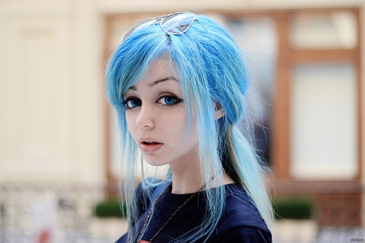 фото девушек с синими волосами зимой