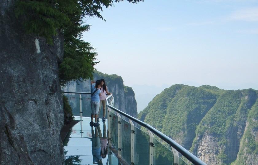 Стеклянный мост в Китае 2