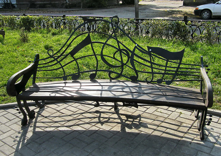Скамейки с необычным дизайном