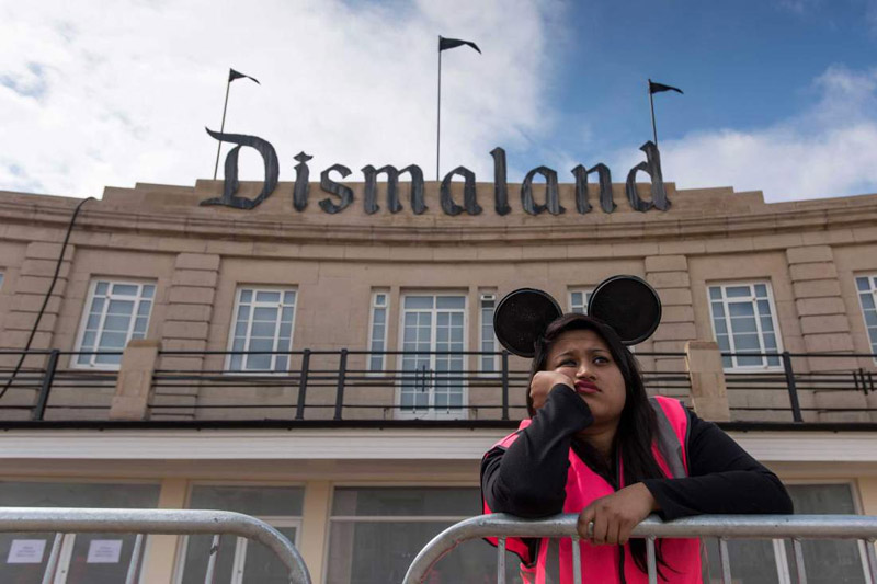 Парк Dismaland фото 10