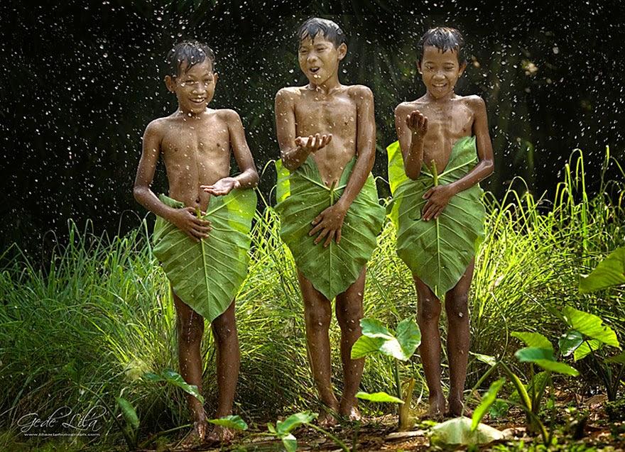 Дети играют на природе 5