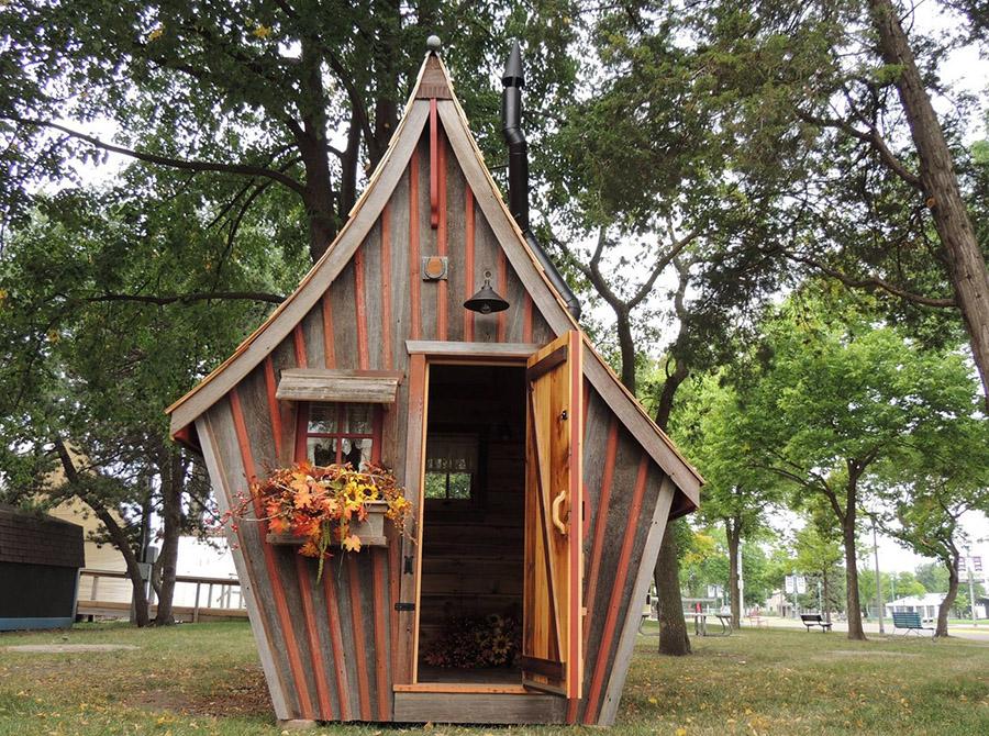 деревянные домики Дэна Поли
