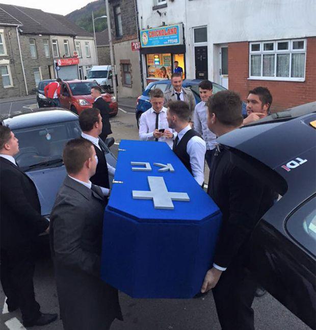 Фейковые похорона
