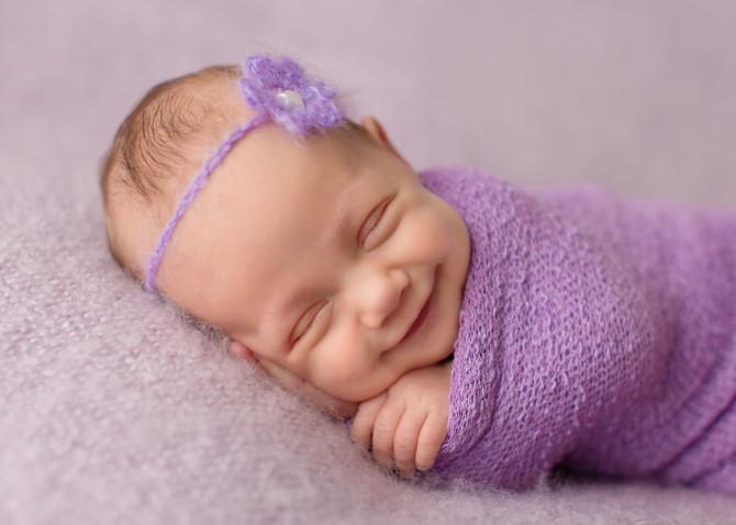 Улыбающиеся младенцы