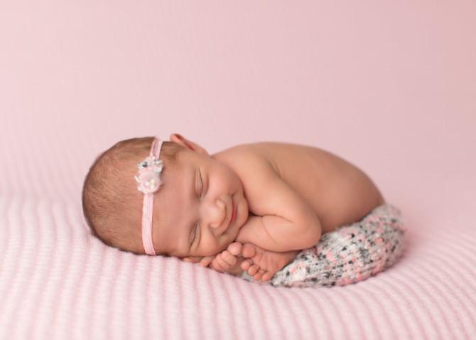 Милые спащие малыши