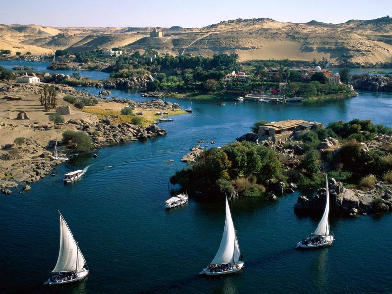 Священная река Нил в Африке