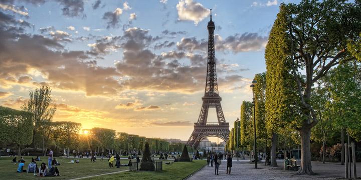 Париж - город романтиков и влюбленных