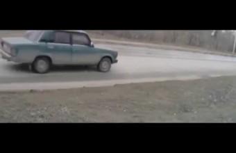 Лена сдавала на права и чуть не угробила машину
