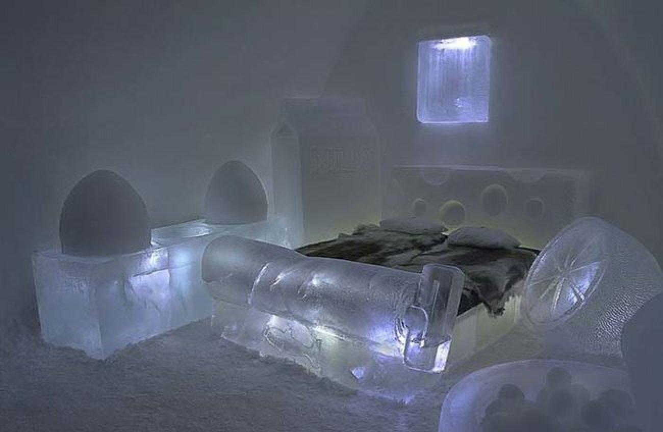 Кровать изо льда