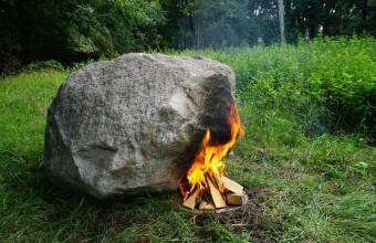 камень с роутером