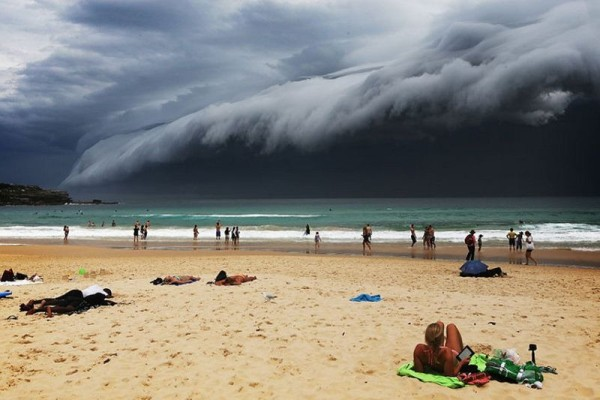 облако цунами в сиднее