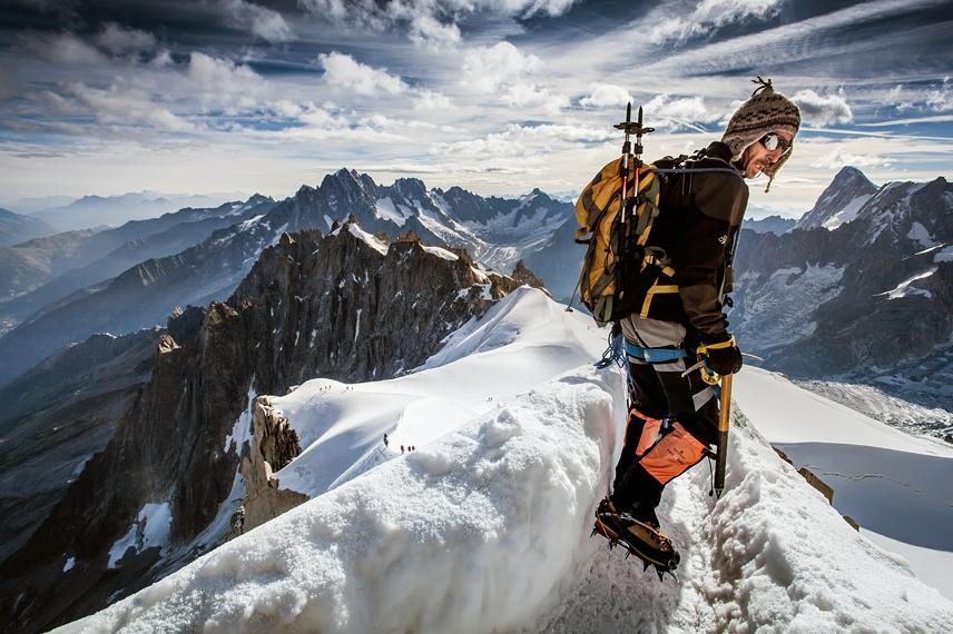 фото альпиниста на горе
