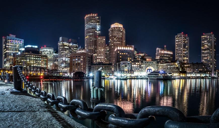 фотографии набережной Бостона ночью