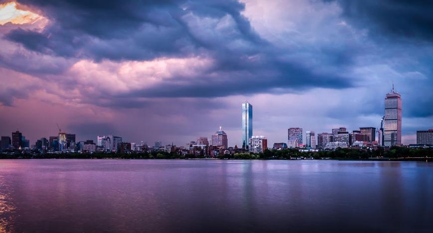 небо Бостона после шторма