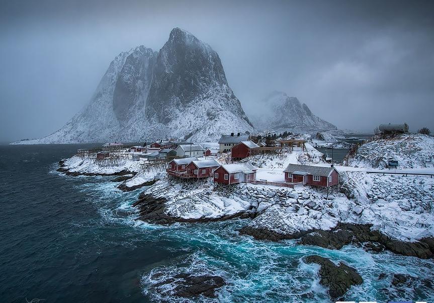 норвежская деревня на берегу