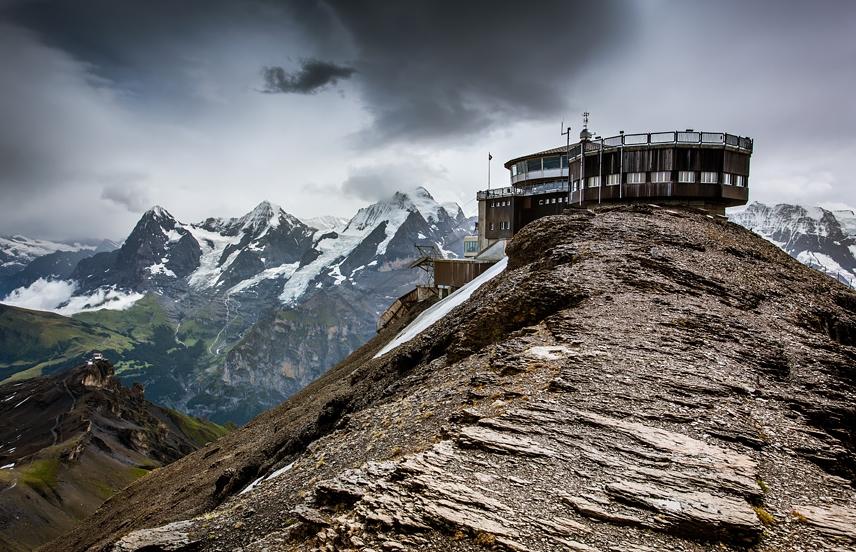 отель в Альпах в Швейцарии. фотография