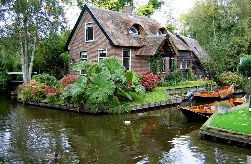 Гитурн, Нидерланды