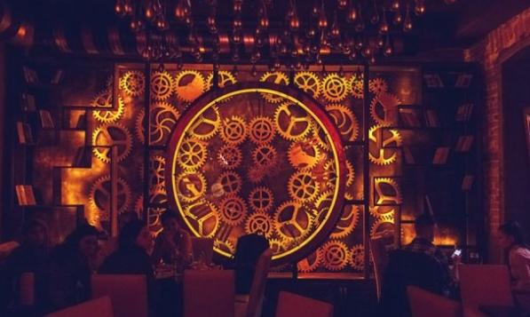 кафе в стиле стимпанк в Румынии