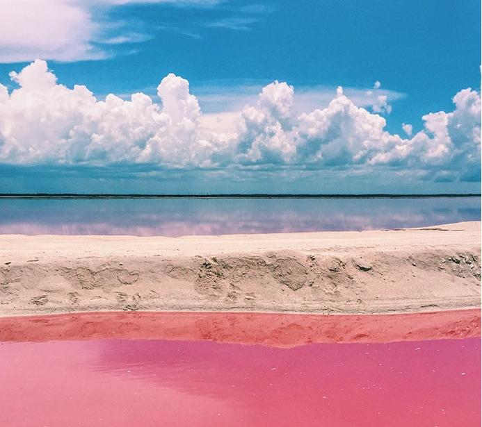 розовая лагуна в Мексике