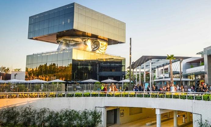 Торговый центр Полигон Ривьера, Франция