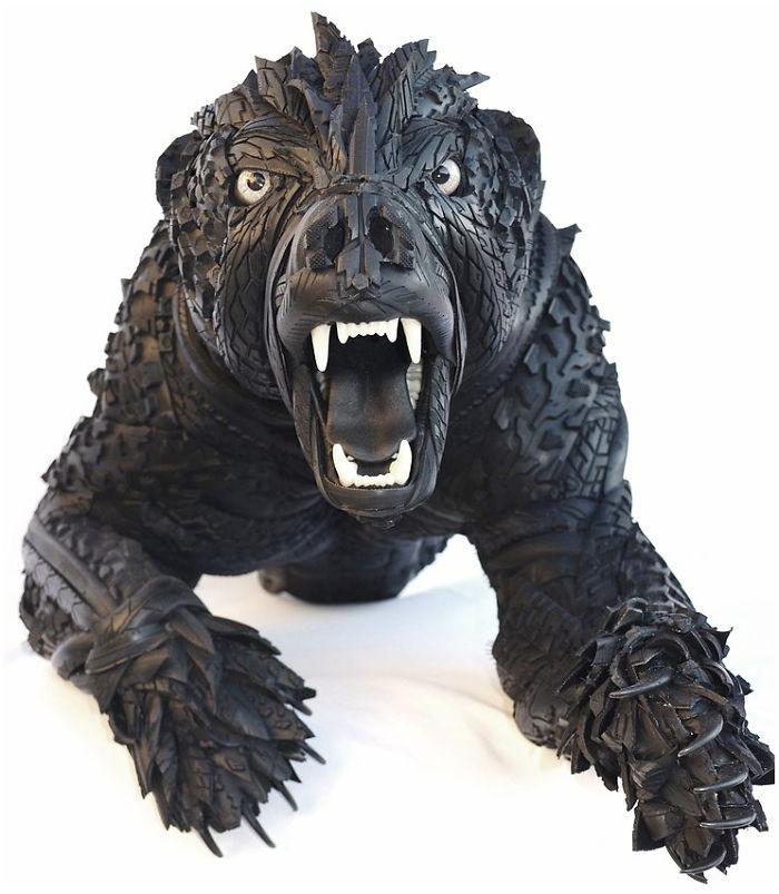 медведь сделанный из старых шин