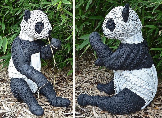 Скульптура панды из старой шины