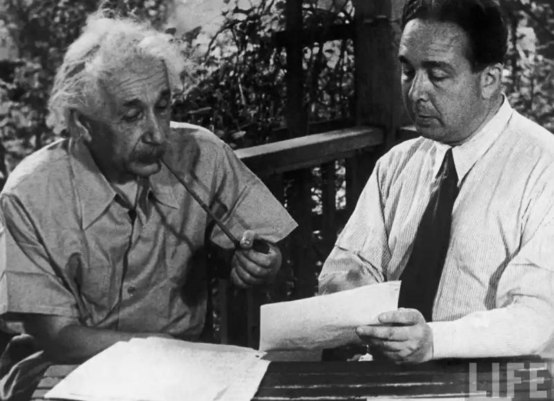 фото Эйнштейна и Силарда