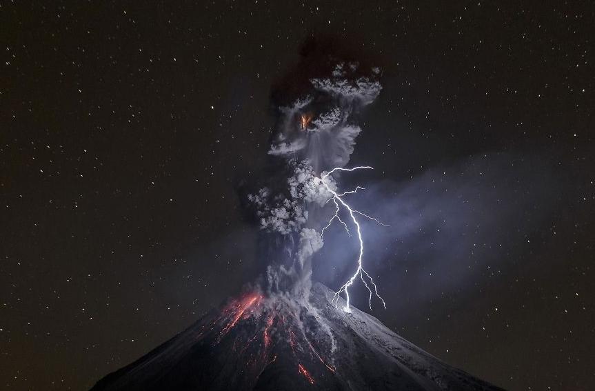 фото извержения вулкана