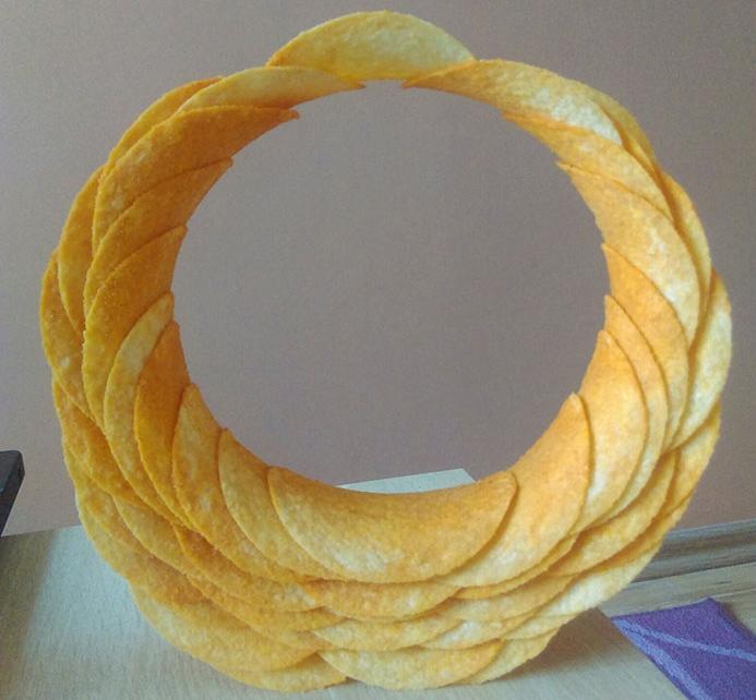 круг из чипсов