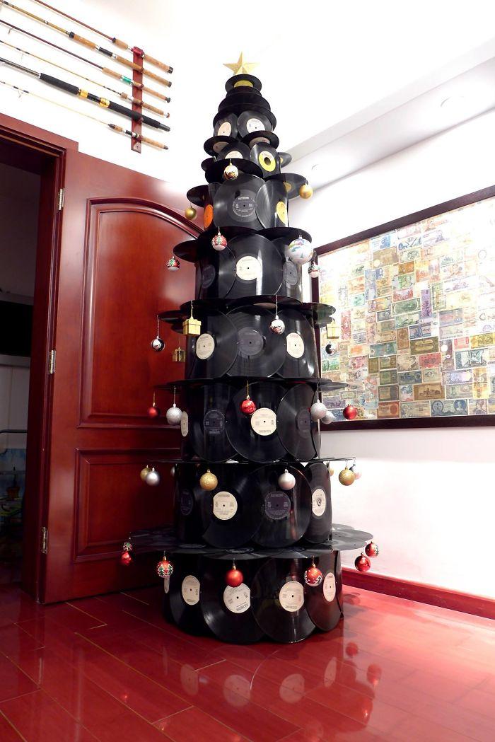 елка из пластинок