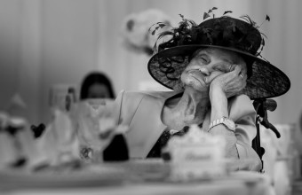 фото старушки на свадьбе