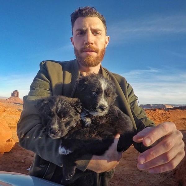 фото джордана и собак
