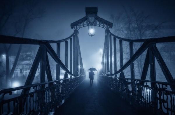 фото моста в тумане