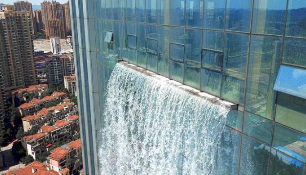 вода из небоскреба