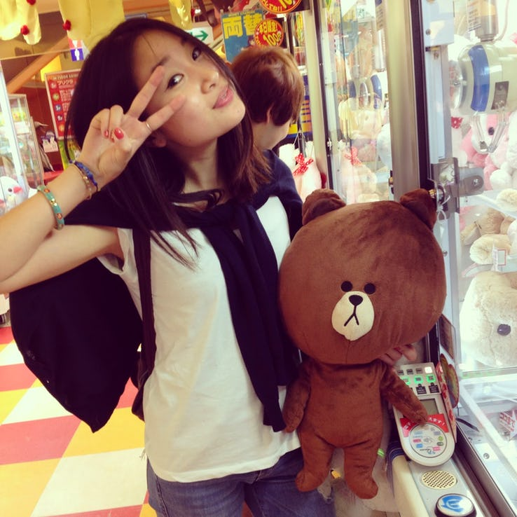 японка с медведем