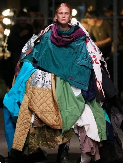 странная модная одежда