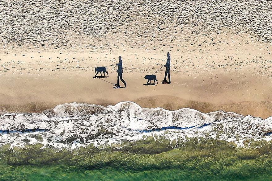 фото людей с дрона