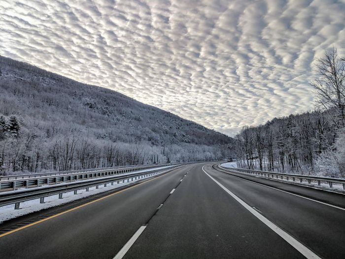 необычная фотография шоссе