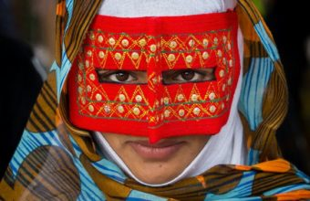 маска иранской женщины
