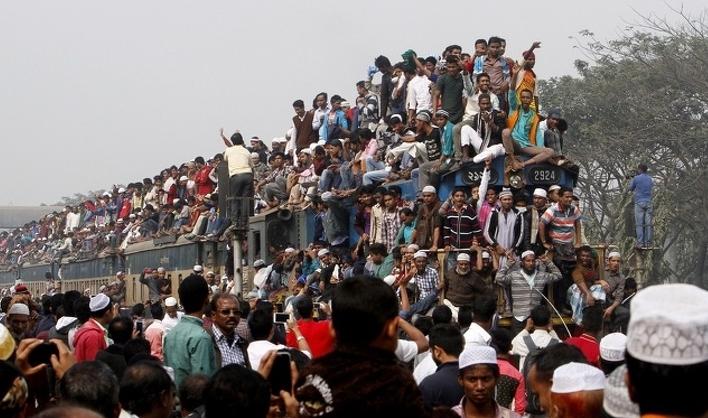 переполненный поезд Бангладеш