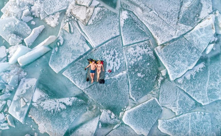 фото людей на льду